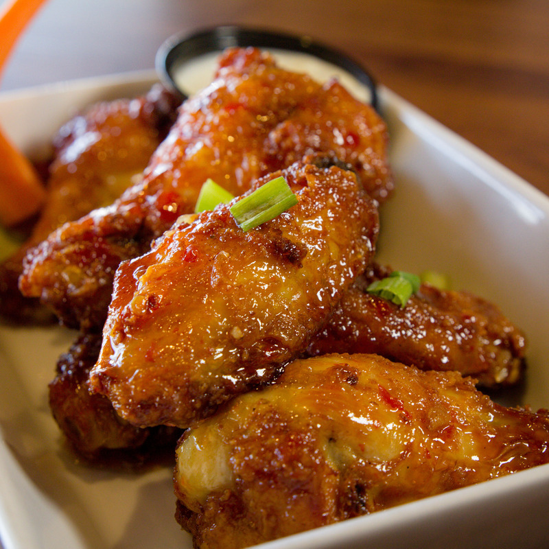 7 pc. Wings: Choice of sauce: House made sweet chili
