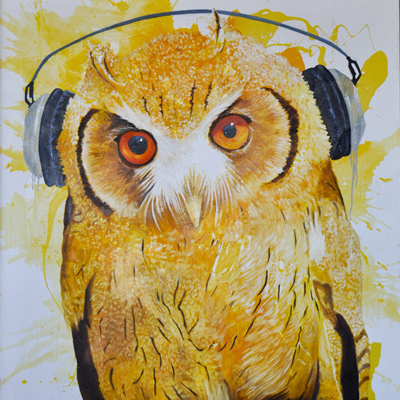 Painting of an owl with headphones