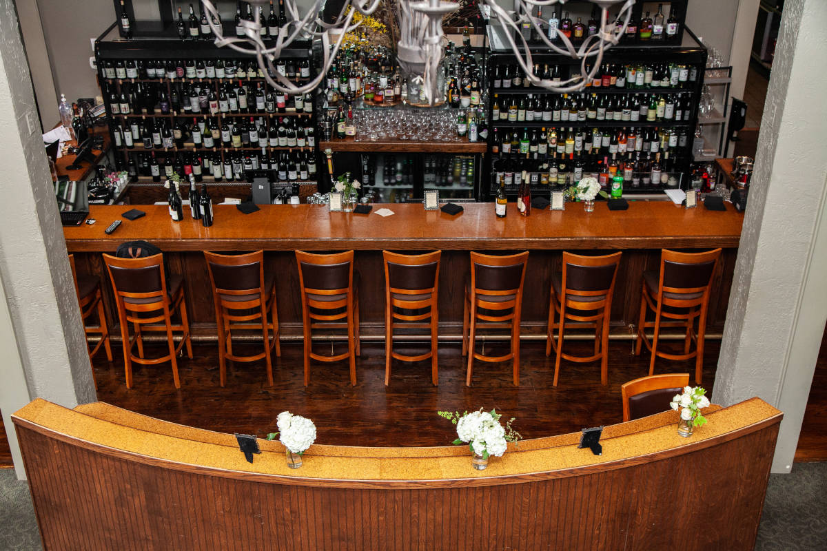 Bar area, high chairs