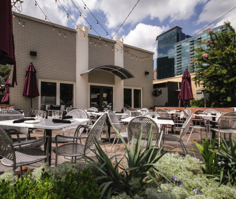 Exterior, tables outside