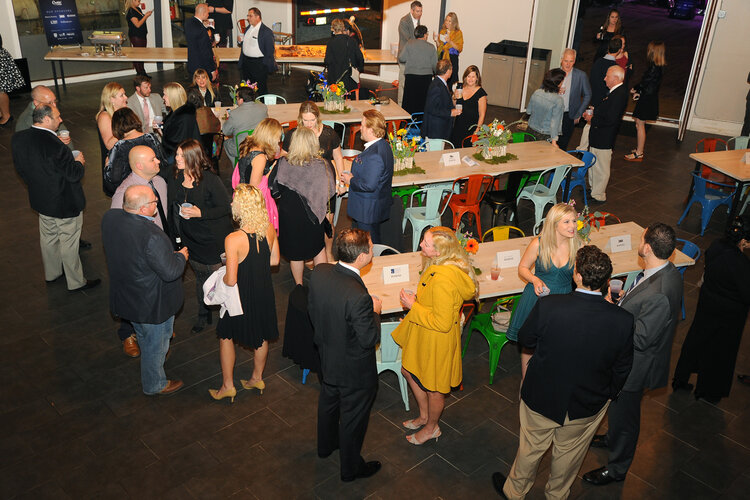 Corporare event bar, guests having drinks