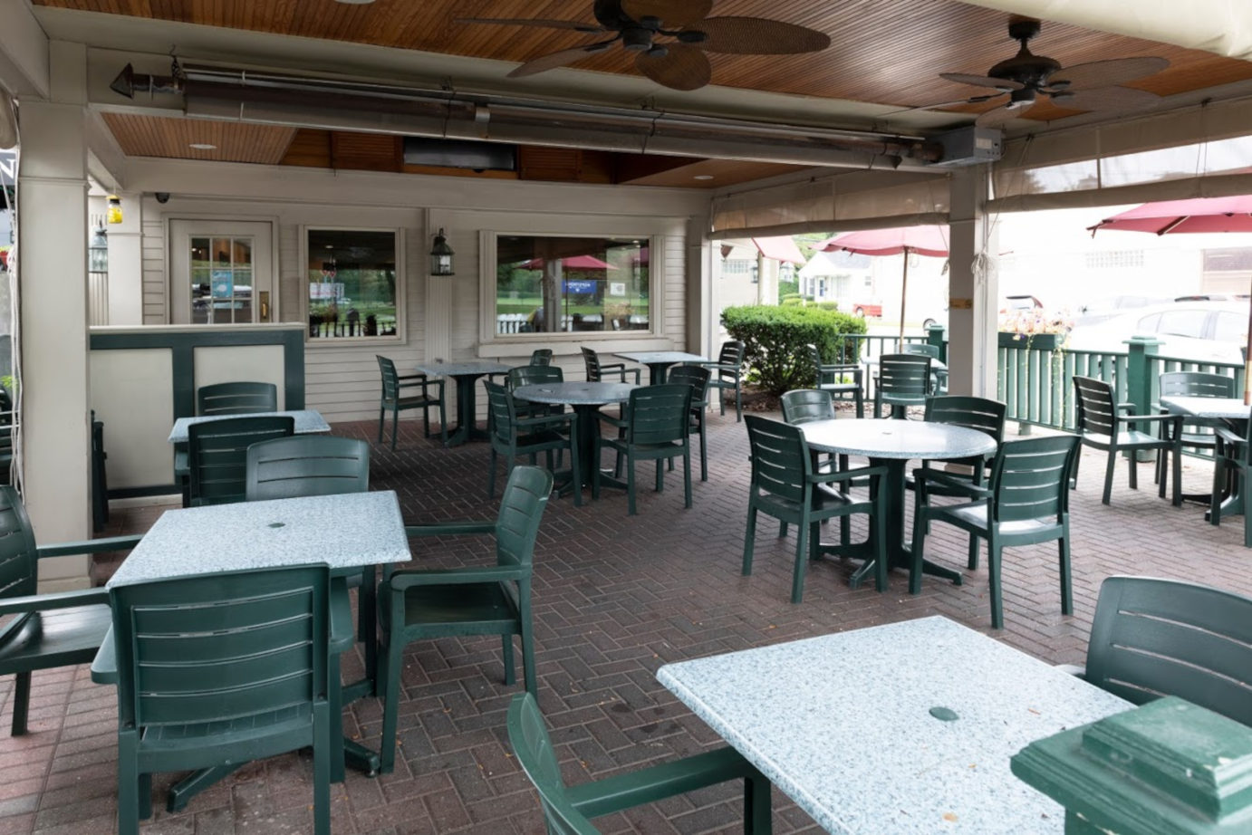 Exterior, tables ready for guests