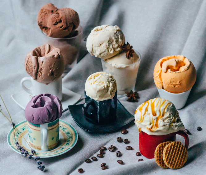 icecream in tea cups and glasses
