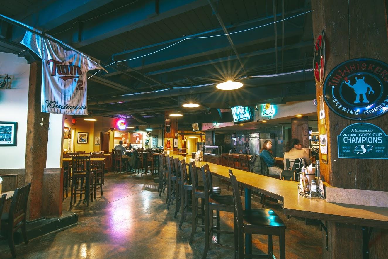 Darby's Pub & Grill bar