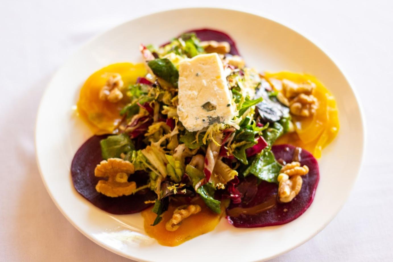 Beets salad, mixed greens, walnuts and gorgonzola