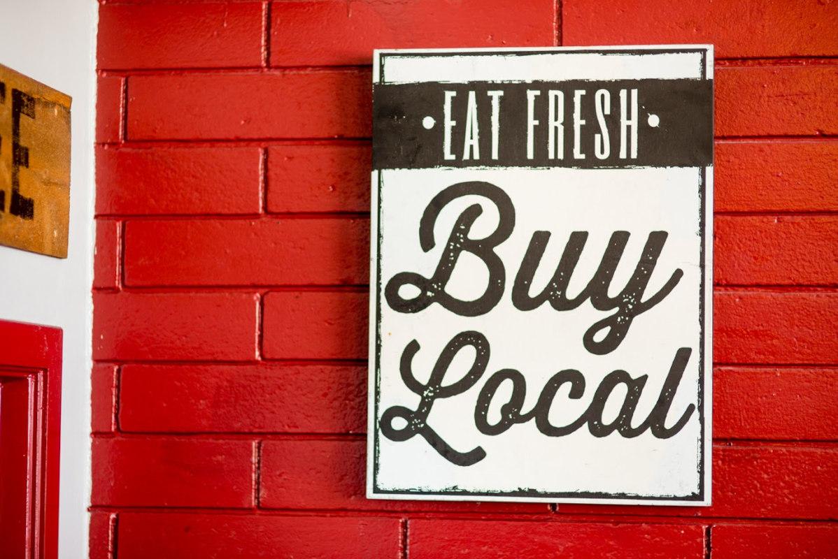 Eat fresh, buy local sign
