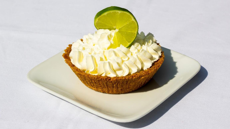 Dessert with cream and lemon