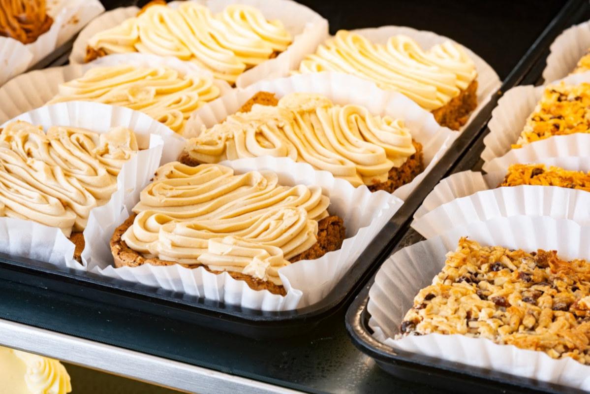 cakes on the dish, closeup