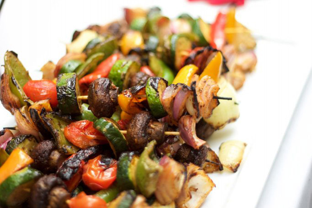Veggies and meat kebab mix