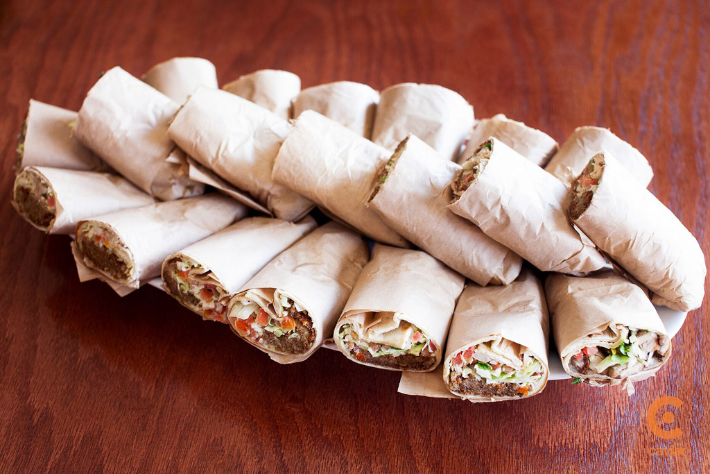 Tortilla veggie rolls plate