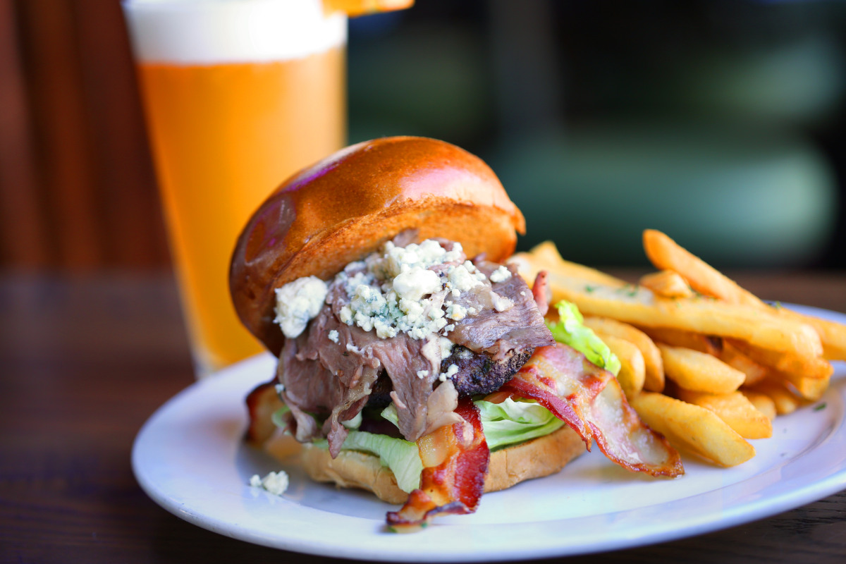 wagyu and prime rib blue burger