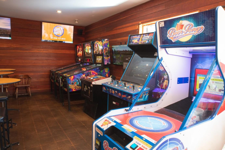 Interior, arcade games