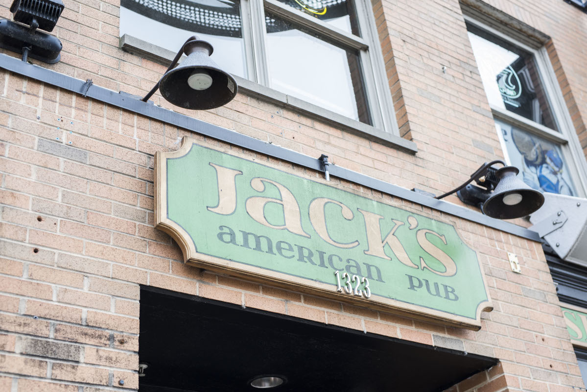 Jack's american pub exterior signh, wide angle