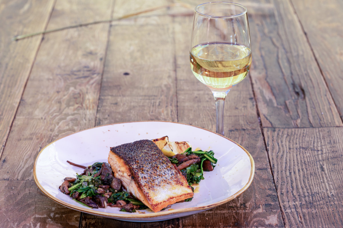 salmon with white wine