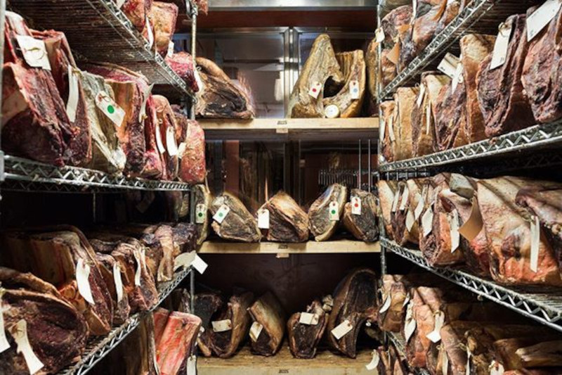 knife dry aged meat steaks