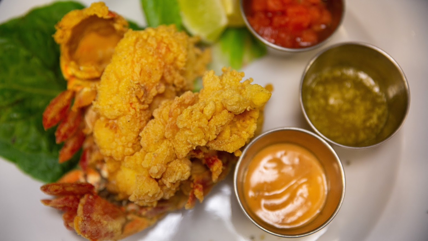 Fried lobster with 3 dips