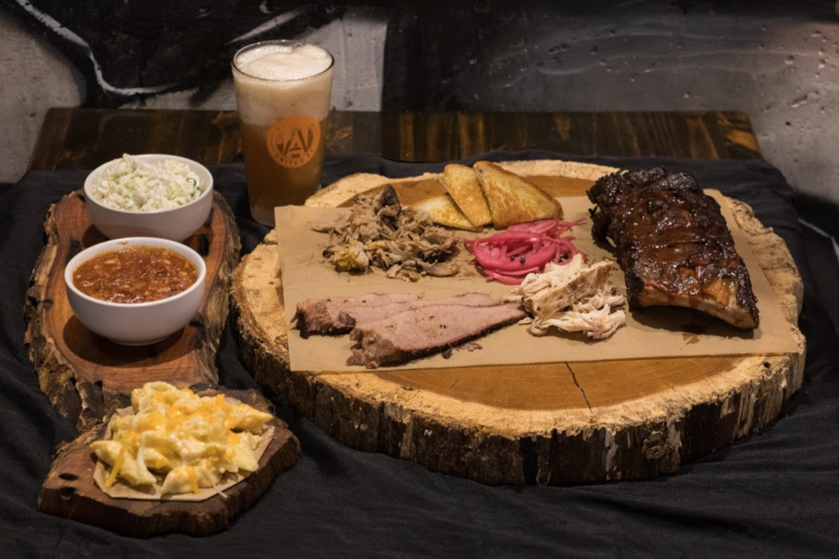 Meat plate, Texas toast , two sides and glass of beer