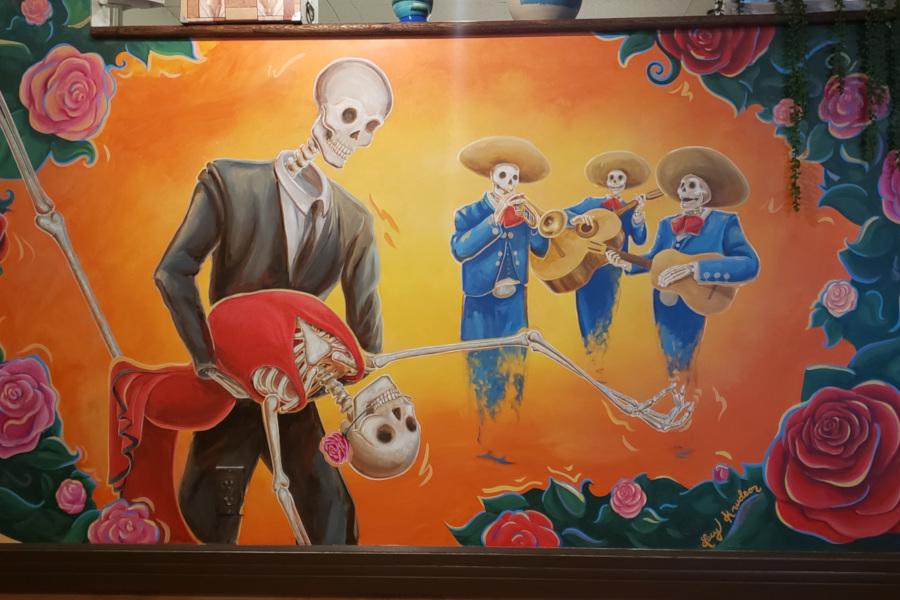 Dancing skeleton wall decoration
