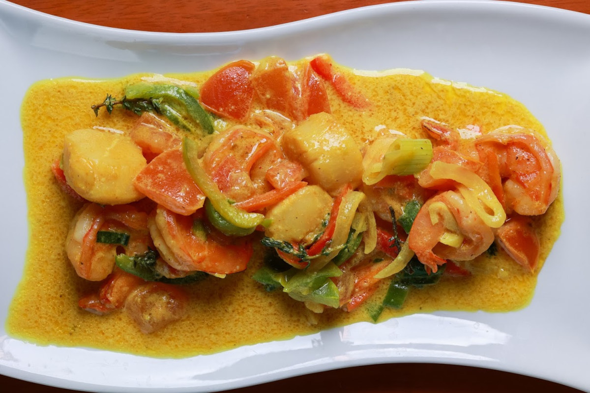 Mixed vegetables with sauce and spices