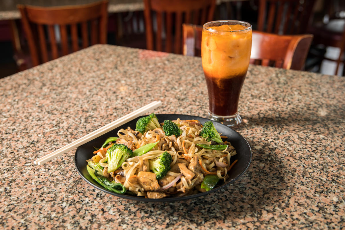 pan fried noodles chicken