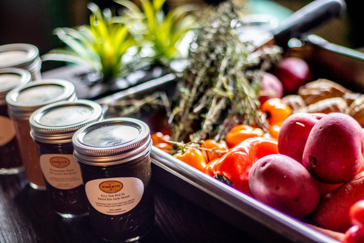 sauces and veggie pan
