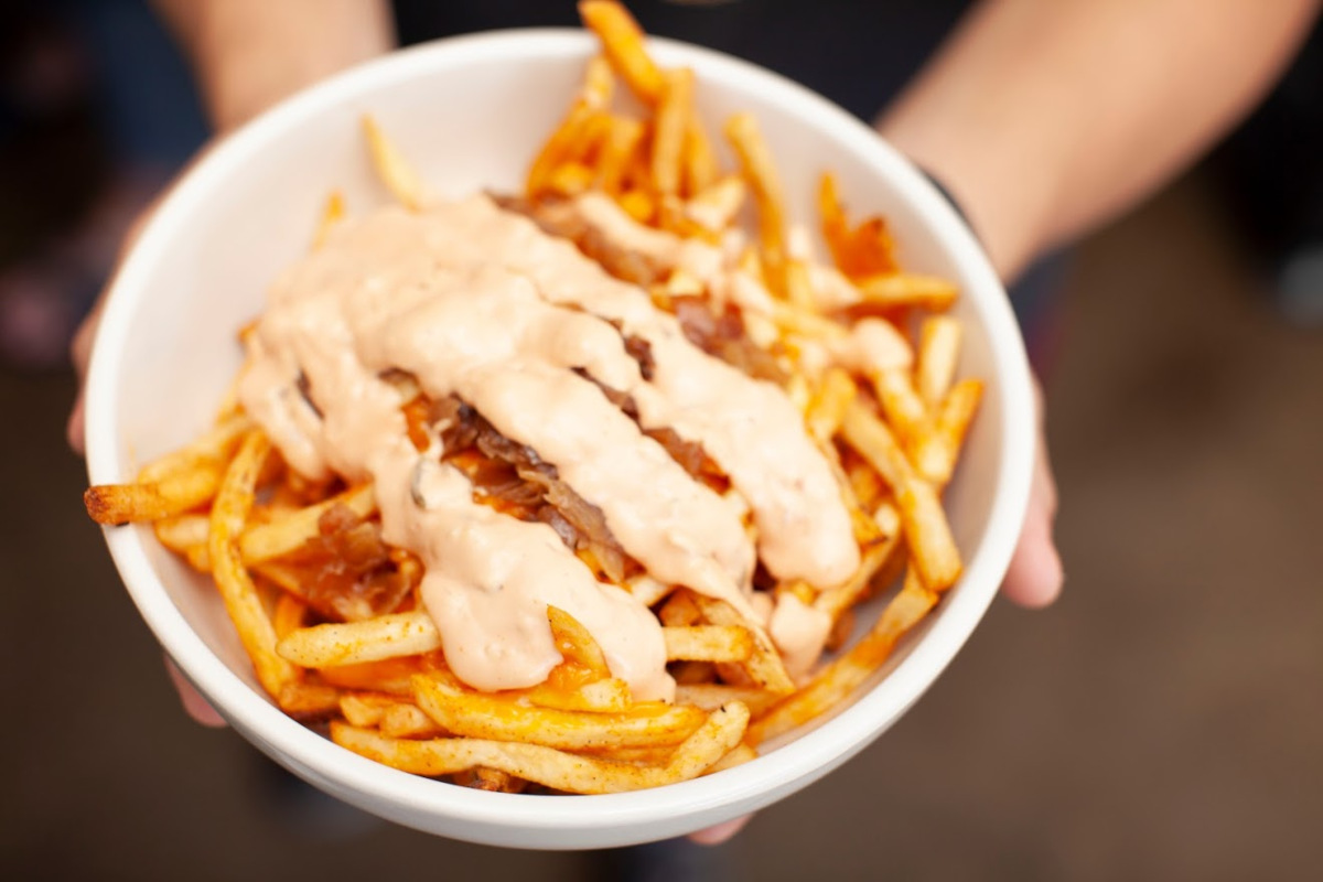 French fries with meat and mayo