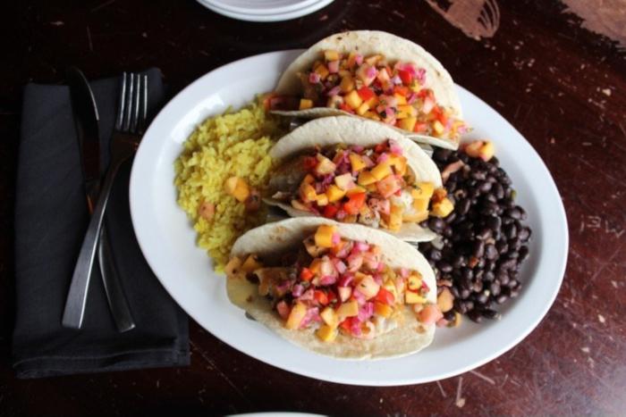 Fish tecos with mango salsa