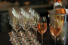 wine glasses photo 2