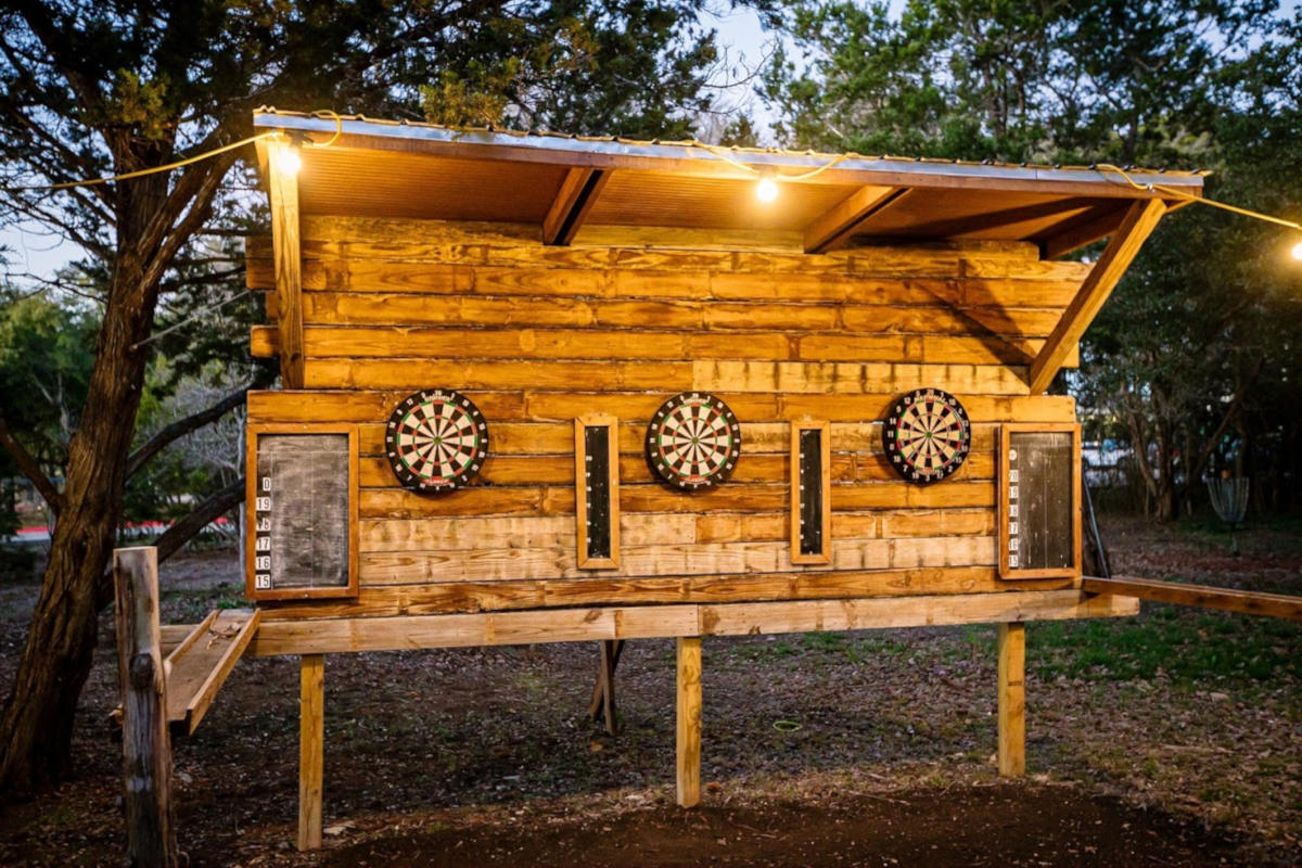 Exterior, darts board outside