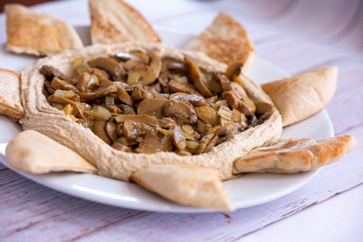 Pastry and grilled mushrooms