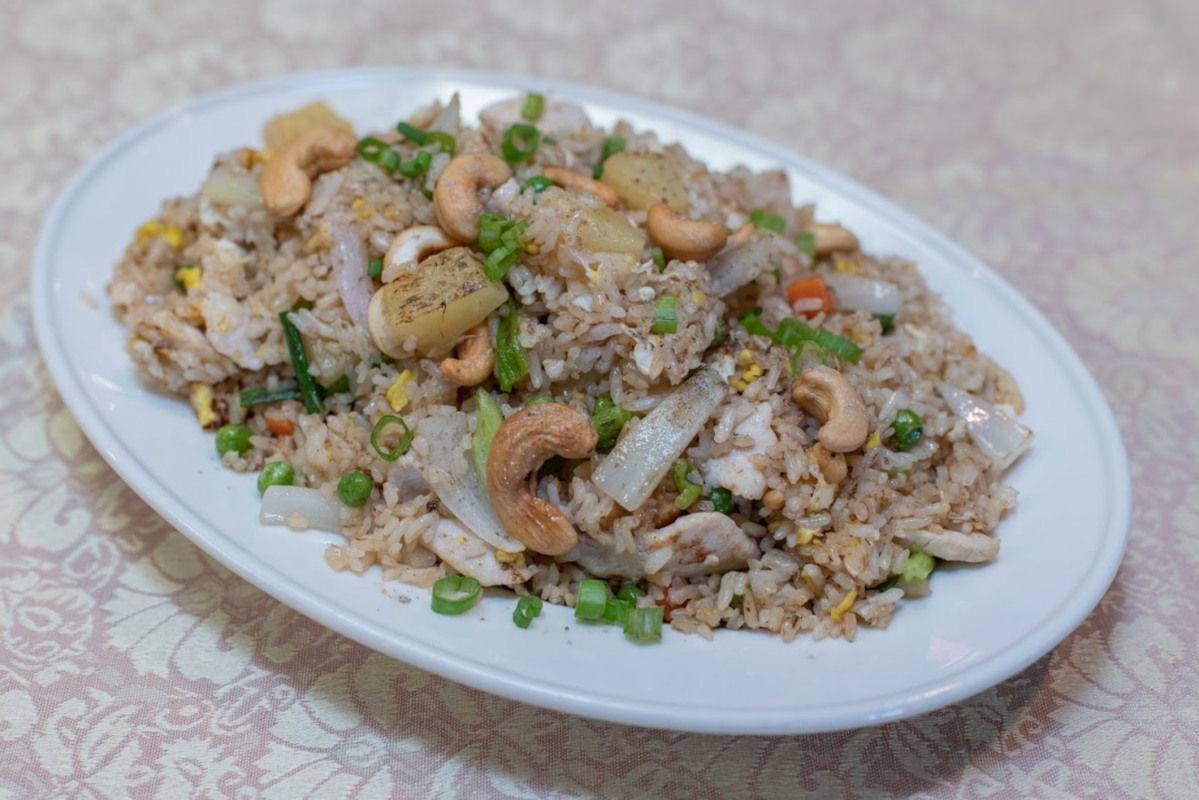 Rice, meat, different types of vegetables