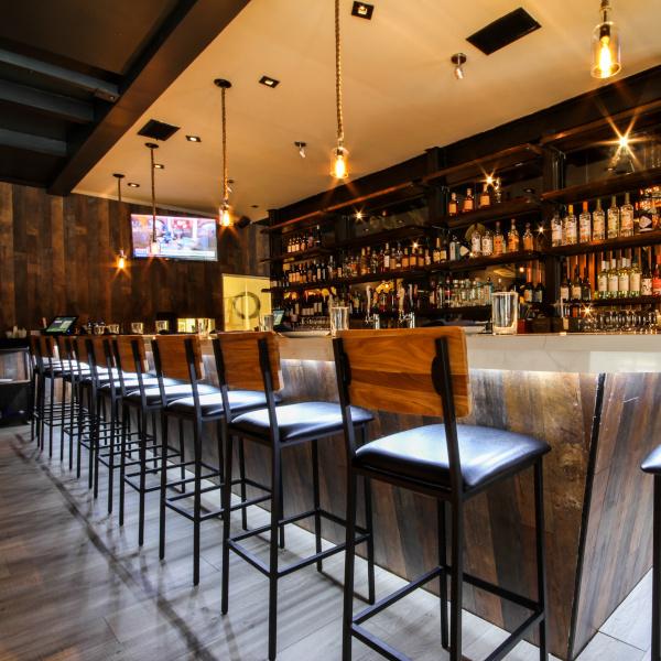 bar, high chiars, TV screens