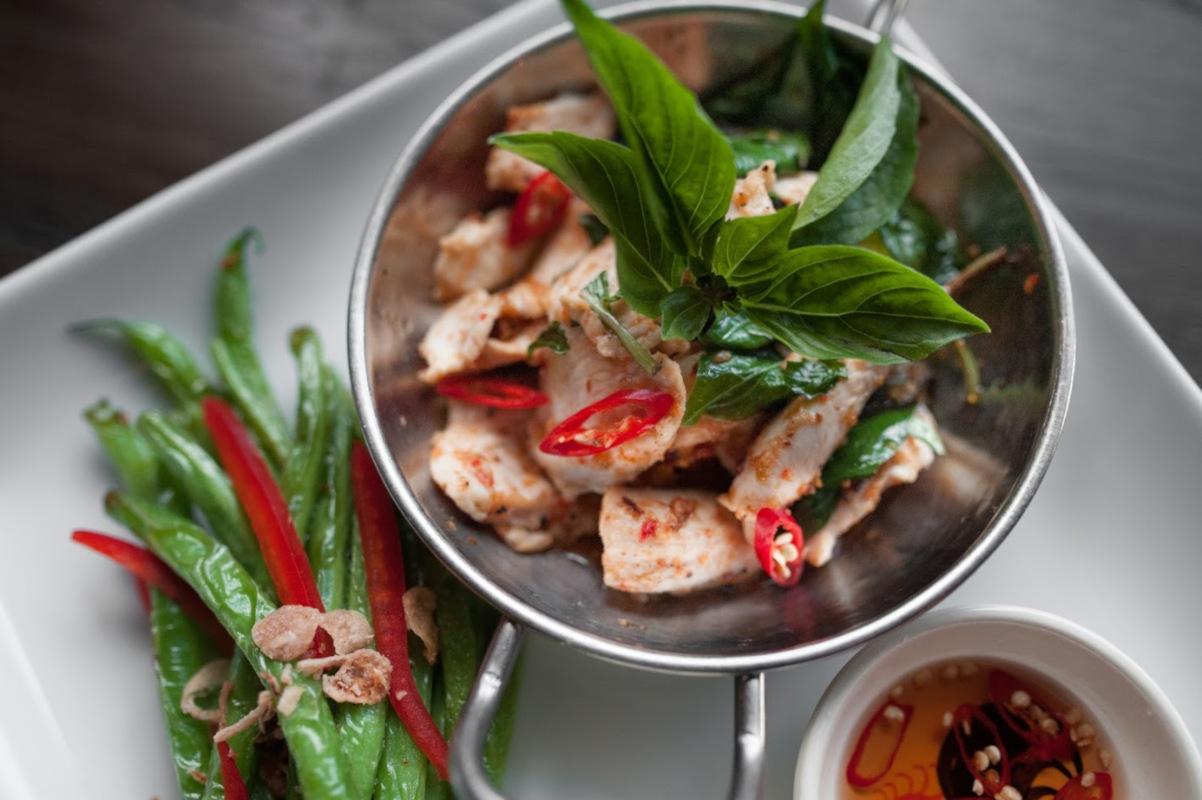 Wok chili basil chicken