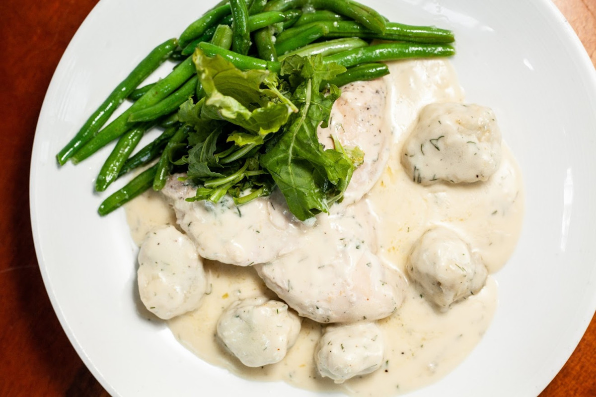 Southern fried steak with green beans