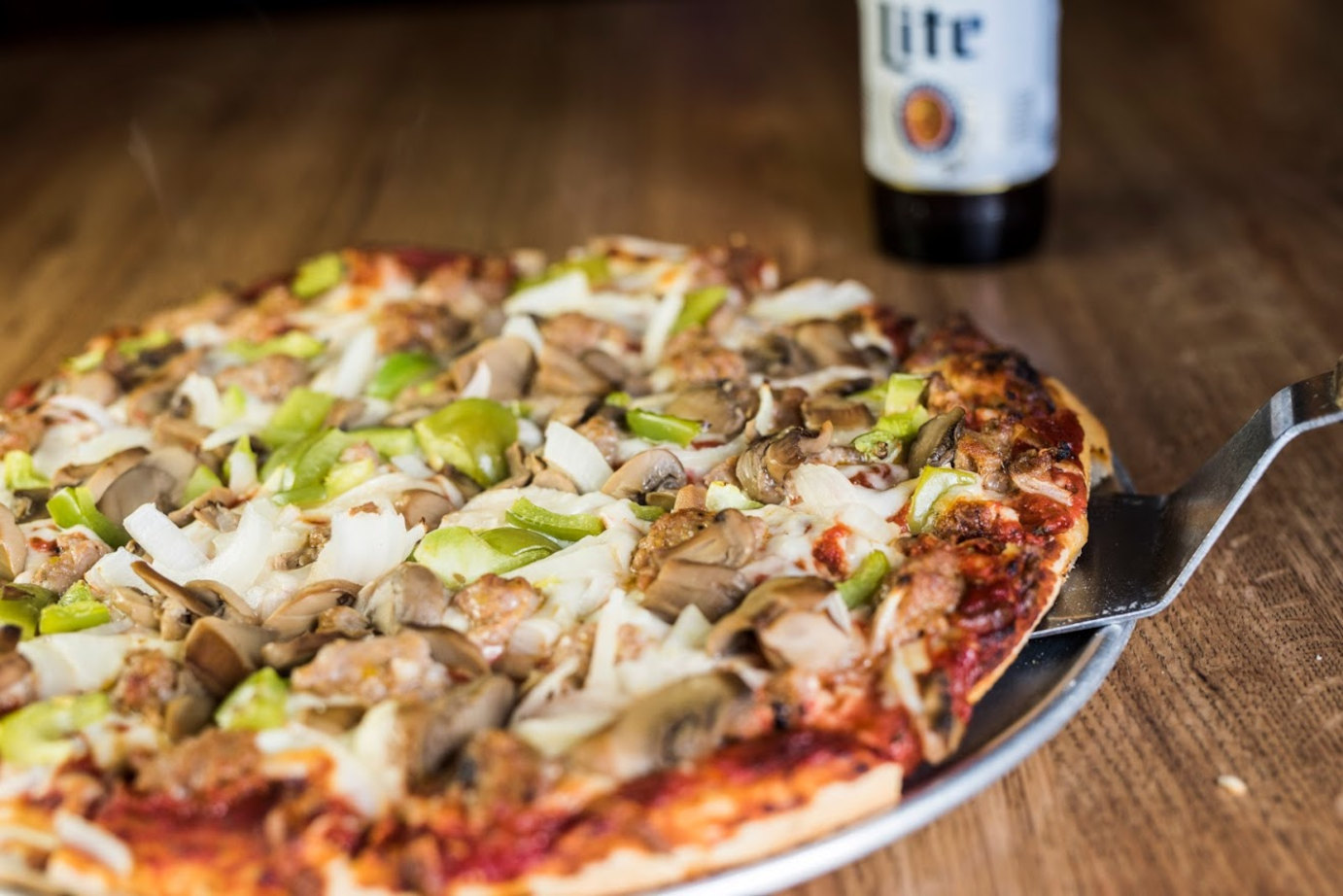 Funghi pizza and a beer