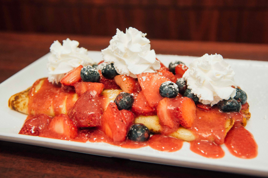 Crepes with berries and cream