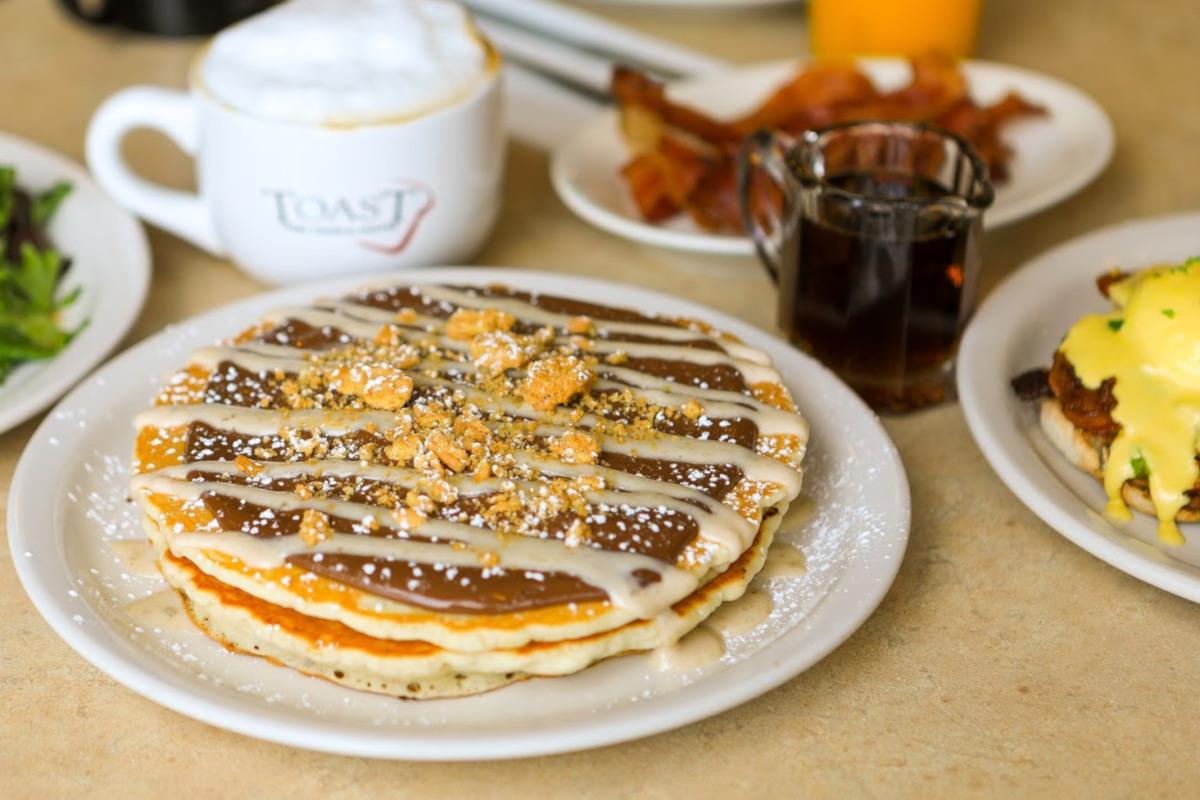 Side Nutella Pancakes