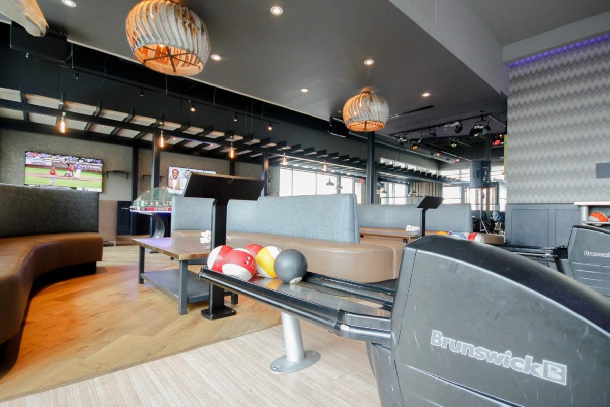 Interior, bowling