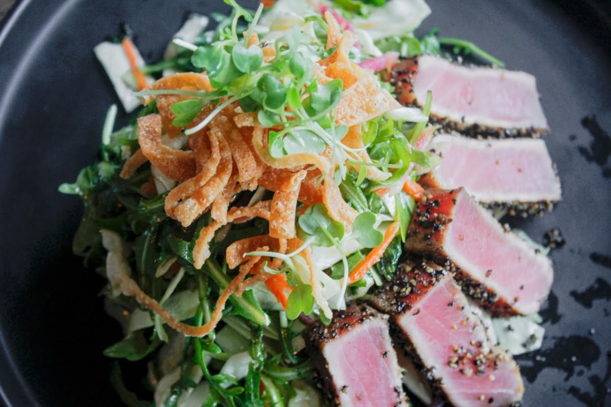 searedahi tuna salad