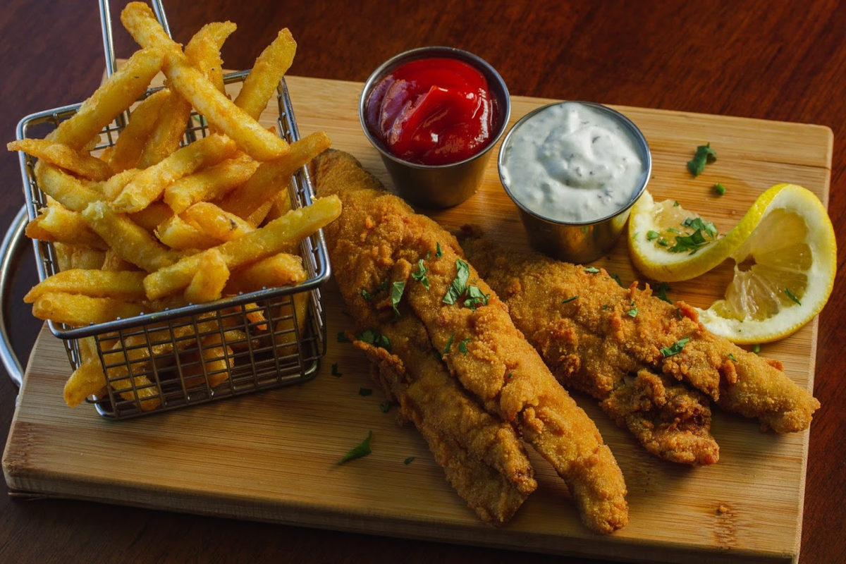 Fish and fries, two dips on the side